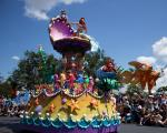 forlystelsesparker-i-orlando-magic-kingdom-parade
